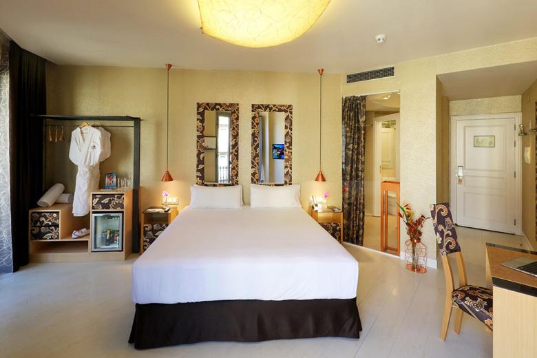 Chambres axel hotel barcelona logement gay barcelone for Chambre hote barcelone