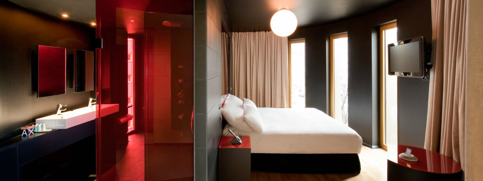 gay leather hotels berlin